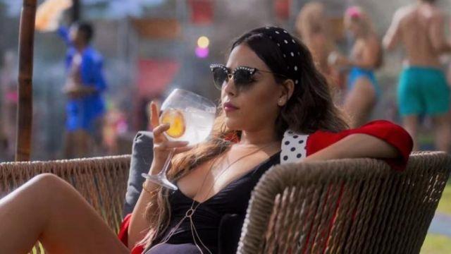 Gucci Pearl glasses worn by Lu Montesinos (Danna Paola) in Elite TV Series (Season 3)