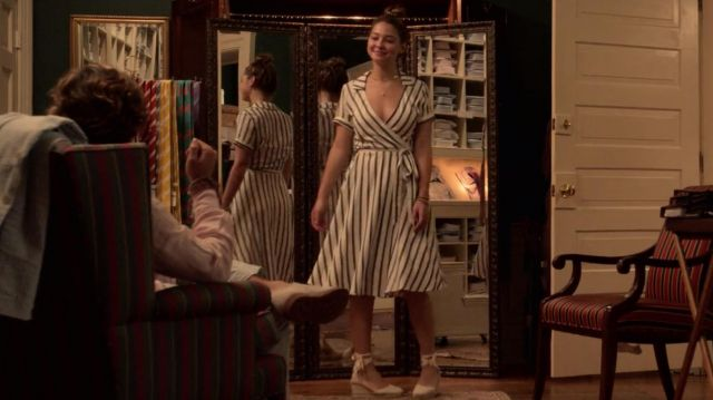 Lace-up espadrilles worn by Sarah Cameron (Madelyn Cline) in Outer Banks (S01E04)