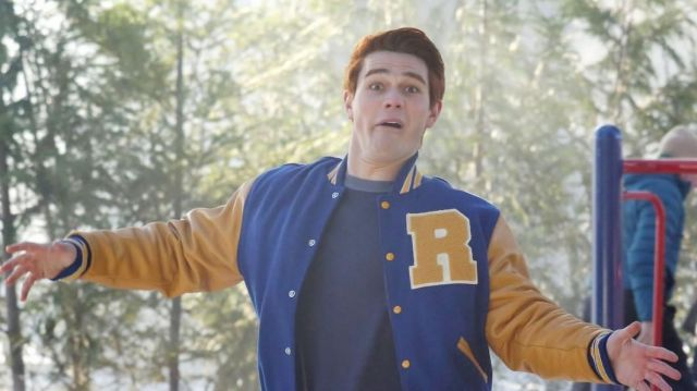 KJ APA Riverdale Letterman Jacket of Archie Andrews (KJ Apa) in Riverdale (S02E13)