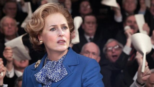Earrings worn by Margaret Thatcher (Gillian Anderson) in The Crown (S04)