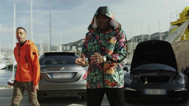 La veste à fleurs avec capuche de Ninho dans le clip 6.3 de Naps