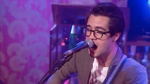 Eyelasses worn by Brendon Urie in Panic! At The Disco - That Green Gentleman | Take 40 Live