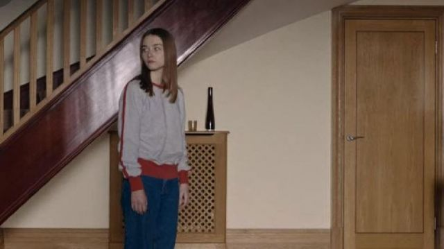 Grey and red sweatshirt worn by Alyssa (Jessica Barden) in The End of The F...ing World S02E02