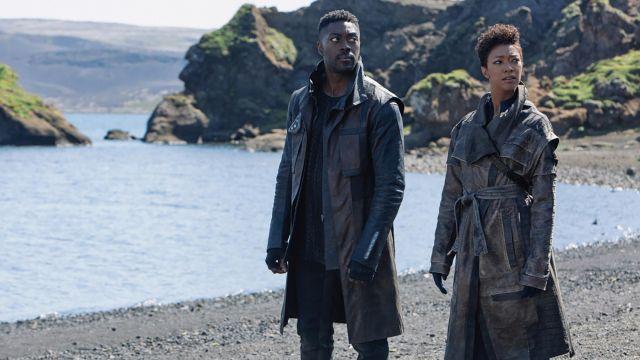 Leather Coat of Cleveland Booker (David Ajala) in Star Trek: Discovery (S03E01)