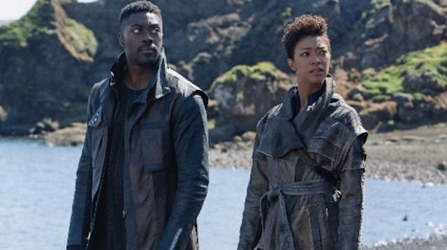 Brown Leather Coat (David Ajala) in Star Trek: Discovery (S03E04)