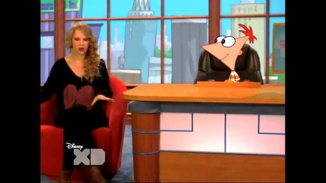 Pull portée par Taylor Swift dans Taylor Swift - Take Two with Phineas and Ferb