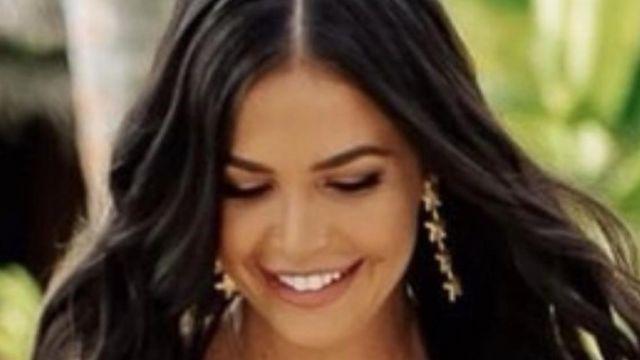 Nerida Boucles d'oreilles portées par Tenille Favios en Bachelor in Paradise Australie
