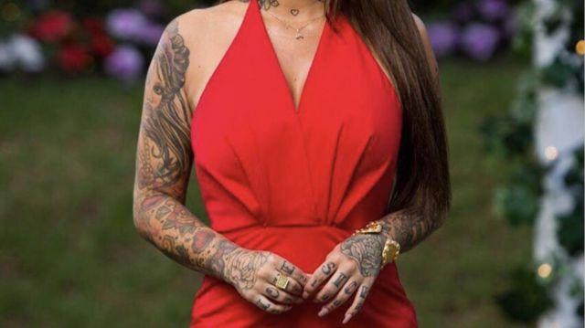 Siren Cuff porté par Jess Brody dans The Bachelor Australia