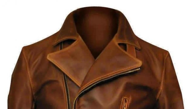 This jacket is used by Steve Rogers / Captain America (Chris Evans) in Captain America: Civil War