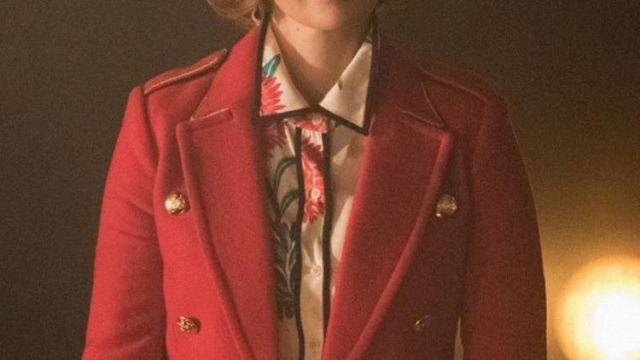 Red Coat of Penelope Blossom (Nathalie Boltt) in Riverdale (S05E02)