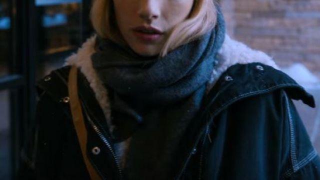 Black Jacket Moumoute Of Sloane Emma Roberts In Holidate Spotern