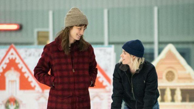 Red Plaid Coat of Harper (Mackenzie Davis) in Happiest Season