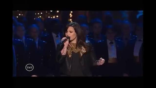 Jacket worn by Demi Lovato in the video Demi Lovato - Silent Night (TNT Christmas In Washington 2012)