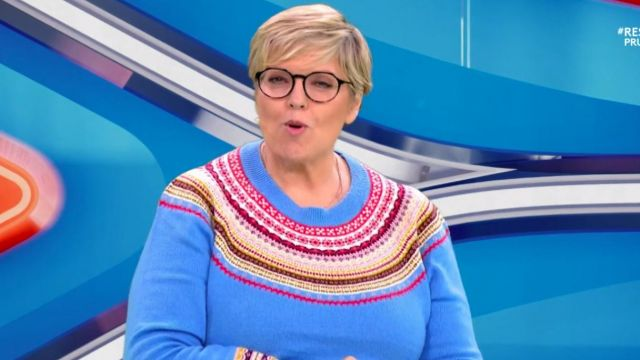 The sweater with Jacquard pattern of Laurence Boccolini in A word can hide another the 24.11.2020