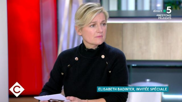 The sweater raglan collar with cashmere buttons of Anne-Élisabeth Lemoine in C à Vous the 24.11.2020