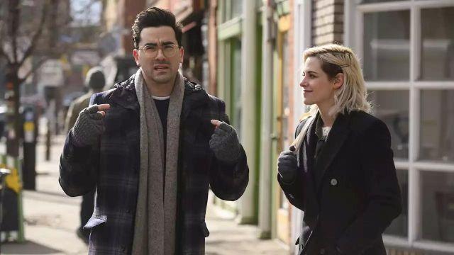 Black Wool-Blend Coat of Abby (Kristen Stewart) in Happiest Season