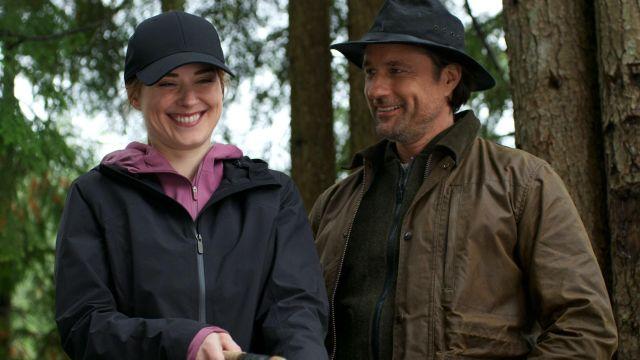 Light-weight Coat of Melinda Monroe (Alexandra Breckenridge) in Virgin River (S02)