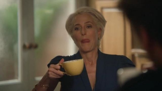 Yellow Cup used by Jean Milburn (Gillian Anderson) in Sex Education (S01E01)