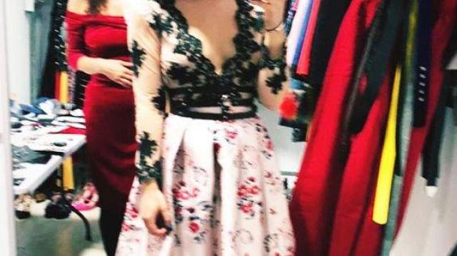 Jupe en soie fleurie Teria Yabar de Lu Montesinos (Danna Paola) dans Élite (S01E01)