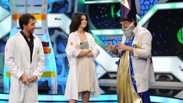 Robe portée par Selena Gomez dans l'émission