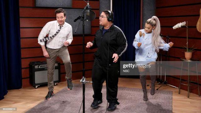 Chaussures portée par Ariana Grande dans l'émission The Tonight Show Starring Jimmy Fallon
