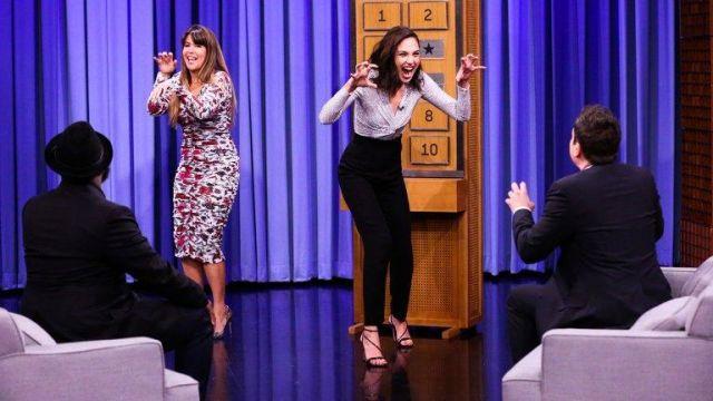 Chaussures portée par Gal Gadot dans l'émission The Tonight Show Starring Jimmy Fallon