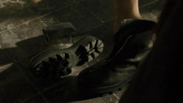 Mariette's boots of Mariette (Mackenzie Davis) in Blade Runner 2049