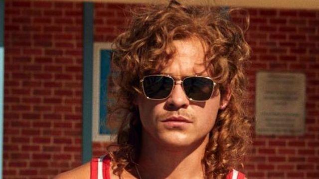 Stranger Things Billy Hargrove sunglasses of Billy Hargrove (Dacre Montgomery) in Stranger Things (S03)