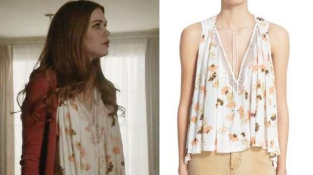 The Free People Love Potion Printed Floral Knit Top worn by Lydia Martin (Holland Roden) in Teen Wolf (S06E04)