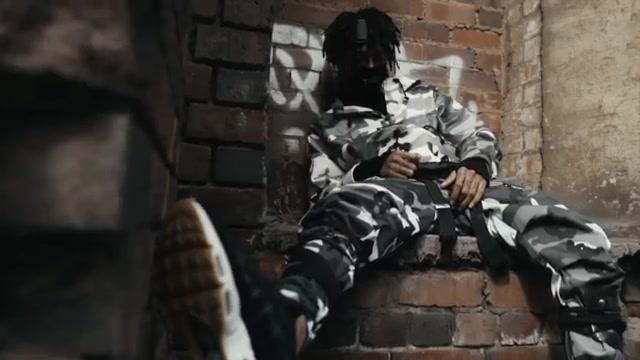 Le pantalon camouflage porté par Scarlxrd dans son clip HXW THEY JUDGE.
