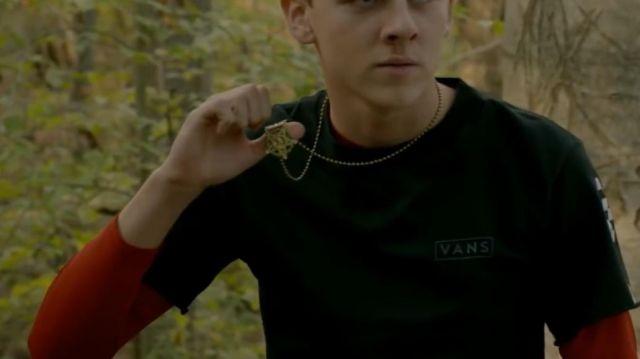 T shirt vans of Hawk (Jacob Bertrand) in Cobra Kai (S02E07)