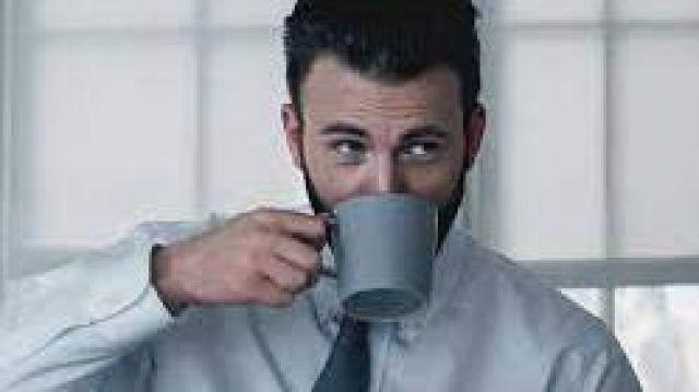 Blue mug of Andy Barber (Chris Evans) in Defending Jacob (S01E01)