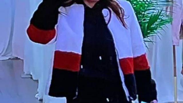 Veste en fourrure triple couleur de Self (Bethenny Frankel) dans The Big Shot avec Bethenny (S01E04)