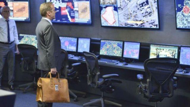 mallette de Tom Kirkman (Kiefer Sutherland) comme on le voit dans Designated Survivor S01E02