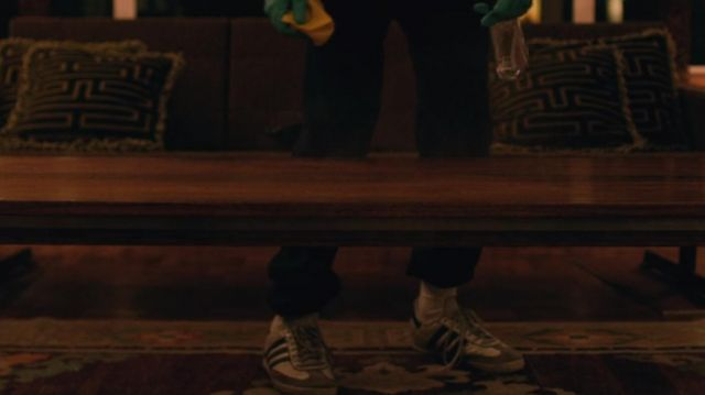 White Adidas shoes worn by James (Alex Lawther) as seen in The end of the fucking world S01E04