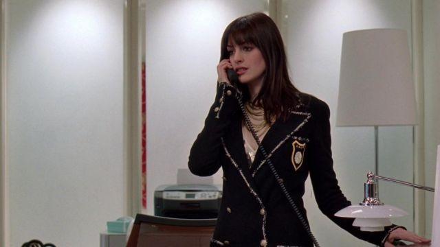 Le blazer Chanel porté par Andrea Sachs (Anne Hathaway) dans Le diable s'habille en Prada