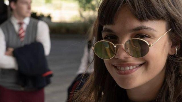 Lunettes de soleil portées par Mencia Martina Cariddi dans la série Élite