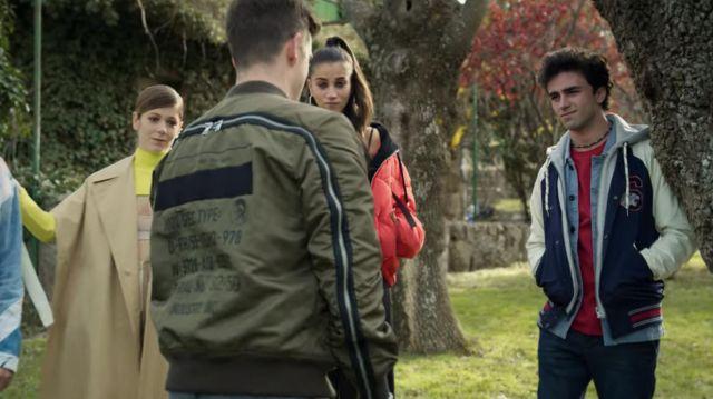La veste militaire verte Diesel portée par Guzmán Nunier (Miguel Bernardeau) dans la série Élite (Saison 4 Épisode 8)