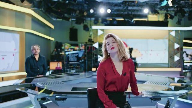 La chemise en soie rouge portée par France de Meurs (Léa Seydoux) dans le  film France   Spotern