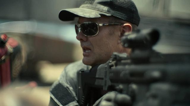 Wiley X aviator sunglasses worn by Martin (Garret Dillahunt) in Army of the Dead
