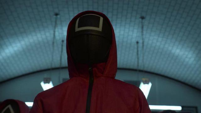 Le masque 'Carré' des employés de Squid Game dans la série Squid Game (Saison 1 Épisode 2)