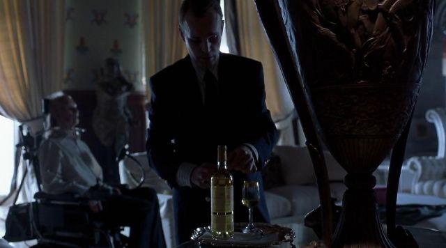 La bouteille de Sauternes Château d'Yquem dans Hannibal