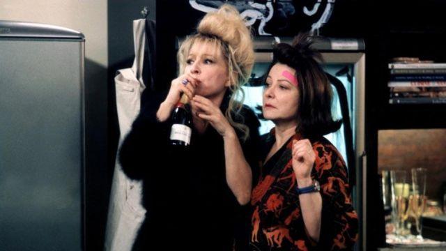 La 1/2 bouteille de Bollinger de Nathalie Baye et Josiane Balasko dans Absolument Fabuleux