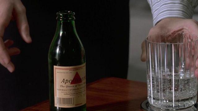 La bouteille d'eau Apollinaris de Patrick Bateman (Christian Bale) dans American Pyscho