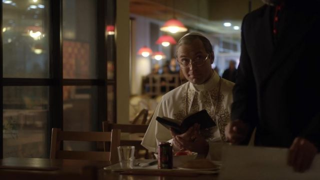 The Coca-Cola Cherry Lenny Belardo / pope Pius XIII (Jude Law) in The Young Pope S01E10