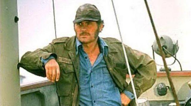 La veste militaire de Bart Quint (Robert Shaw) dans Les dents de la mer