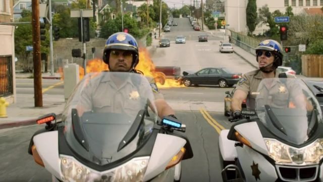 Sunglasses Ray-Ban of Frank Poncherello (Michael Peña) in CHIPs