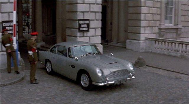 The Aston Martin Db5 Of Pierce Brosnan In Tomorrow Never Dies Spotern