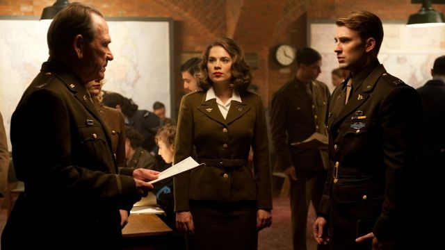 The military uniform of Peggy Carter (Hayley Atwell) in Captain America : First Avenger