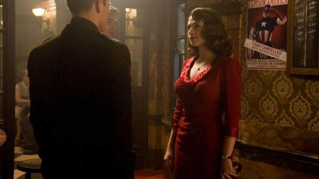 The shows Agent Peggy Carter (Hayley Atwell) in Captain America : The First Avenger
